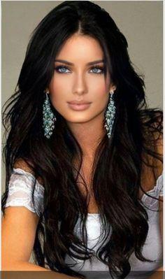 Brunette Beauty, Hair Beauty, Beautiful Eyes, Beautiful Women, Hair Today, Real Women, Pretty Woman, Short Hair Styles, Emmy Rossum