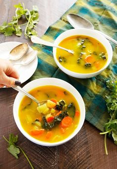 Feel Good Veggie Soup – Lexi's Clean Kitchen – Soup Paleo Soup, Soup Recipes, Vegetarian Recipes, Cooking Recipes, Healthy Recipes, Healthy Soups, Vegan Soups, Lexi's Clean Kitchen, Veggies