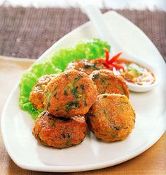 Thai Fish Cakes (Tawt Man Blaa Krai) -