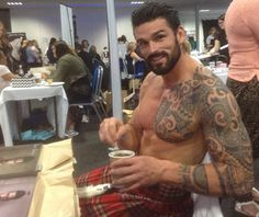 Stuart Reardon in a kilt https://www.facebook.com/photo.php?fbid=653390881403235
