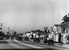 The Sunset Strip west of La Cienega in 1939.(Photographer: Fred William Carter / LAPL 00009355) Bizarre Los Angeles