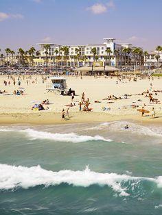 soak up the SoCal sun #SurfsUp >> Huntington Beach, CA  grew up at this beach <3