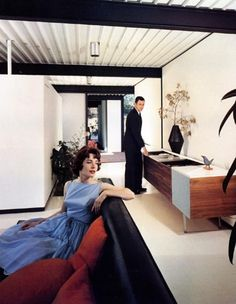 """Mid-century modern living!"" Case House Study 21, Los Angeles, Julius Shulman, 1958 (her dress)"