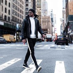 38 Popular Outfits for Men To Street style in New York Nba Fashion, Teen Boy Fashion, Dope Fashion, Mens Fashion, Fashion Guide, Fashion Menswear, Fashion Trends, Mode Dope, Repair Jeans