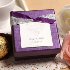 These will be the favor boxes for Amariz to give souvenirs from her wedding to her guests.