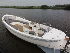 ariadne® 780 motorsloep | Min ariadne® sloep Urban Electric, Runabout Boat, Vintage Boats, Boat Building Plans, Aluminum Boat, Wood Boats, Boat Stuff, Boat Design, Small Boats