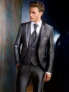 All Black Tuxedo, Tuxedo For Men, Mens Fashion Suits, Mens Suits, Haute Couture Outfits, Tight Suit, Indian Groom Wear, Designer Suits For Men, Men Formal