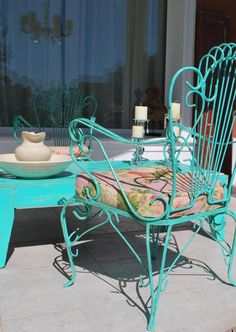 So Glittering: abril 2013 Though historic inside idea, a pergola continues to be suffering from Metal Patio Furniture, Iron Furniture, Garden Furniture, Outdoor Furniture Sets, Metal Outdoor Chairs, Metal Chairs, Outdoor Spaces, Outdoor Decor, Patio Azul