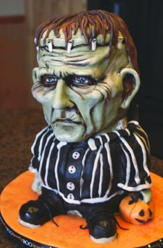 Too creepy to eat! Awesome Frankenstein cake!