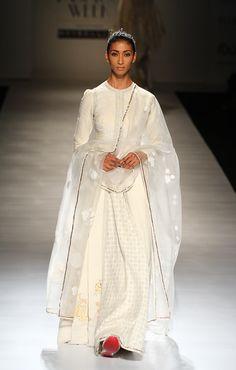 Anju Modi at Amazon India Fashion Week autumn/winter 2017