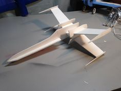 Small chuck glider, easy to build and fly, for younger students.