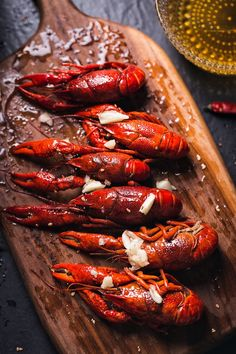 Oh, looking is very appetizing, my saliva will flow down. I really want to learn. Sea Food Salad Recipes, Soup Recipes, Dosa Recipe, Seafood Salad, Spicy Shrimp, Food Design, Food Hacks, Street Food, Love Food