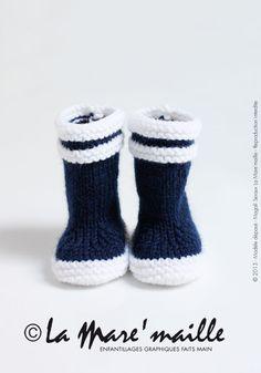 BABY KNIT RAIN BOOTS. Les originales : Bottes de marin en laine bleue pour bébé