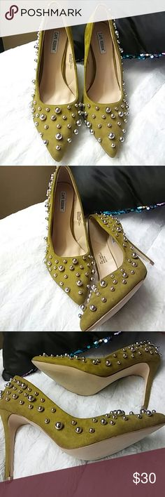 Fabulous heels BEAUTIFUL heels with silver balls Shoes Heels