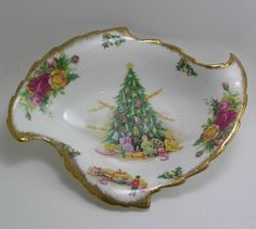Royal Albert Old Country Roses Christmas Magic Leaf Dish. 23.00v Etsy. Old Country Roses is my china so of course I need this to go along with the rest of it.