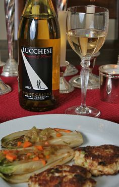 Dungeness crab cakes paired with Lucchesi Pinot Grigio