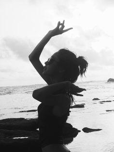 SUNDAY BEACH CLUB // BALI INDONESIA // waktu itu saya sedang bahagia tapi sekarang tidak lagi bersama tukang fotonya.