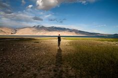 Just by the lake, Ladakh, India Tso Moriri, at a distance of around from Leh is a high mountain lake at a height of around Travel Book Layout, Kids Travel Journal, New Travel, Cheap Travel, London Travel, Travel Usa, Travel Style, Amsterdam City, Landscape Pictures