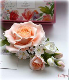 """Купить Брошь """"Cream roses"""" с цветами ручной работы - бежевый, брошь с цветами"""
