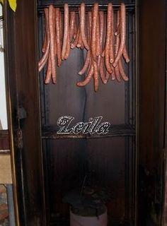 Carnati - Bucataresele Vesele Sausages, Home Decor, Home, Decoration Home, Room Decor, Sausage, Home Interior Design, Home Decoration, Interior Design