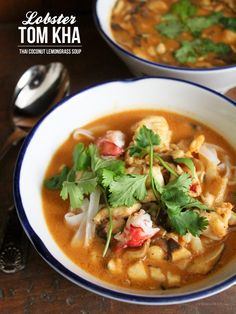 Lobster Tom Kha Soup *Replace rice noodles with zucchini or carrot 'noodles'. Best Seafood Recipes, Lobster Recipes, Spicy Recipes, Asian Recipes, Soup Recipes, Cooking Recipes, Healthy Recipes, Ethnic Recipes, Cooking Fish