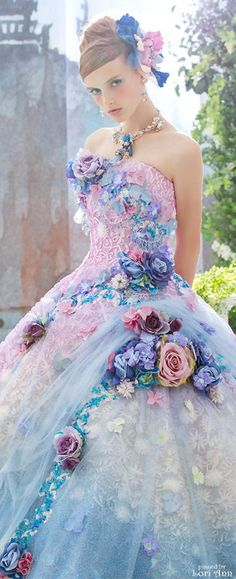 Lovely dress! By Stella de Ribero