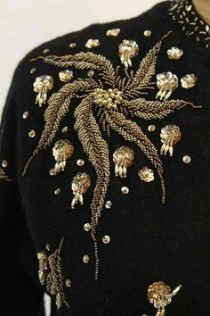 Zardozi Embroidery, Embroidery On Kurtis, Kurti Embroidery Design, Bead Embroidery Patterns, Tambour Embroidery, Embroidery On Clothes, Hand Work Embroidery, Couture Embroidery, Bead Embroidery Jewelry