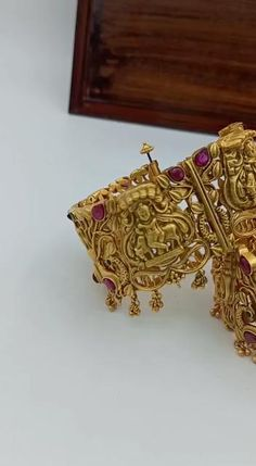 Gold Plated Bangles, Silver Bracelets, Gold Jewelry, Jewellery Earrings, Drop Earrings, Gold Necklace, Gold Kangan, Dulhan Mehndi Designs, Gold Bangles Design