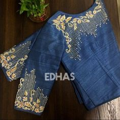 No photo description available. No photo description available. Best Blouse Designs, Simple Blouse Designs, Stylish Blouse Design, Blouse Neck Designs, Dress Designs, Embroidery Suits Design, Bead Embroidery Patterns, Hand Embroidery, Embroidery Designs