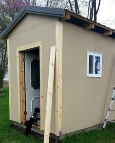 Coop plans | Living the Country Life | http://www.livingthecountrylife.com/animals/chickens-poultry/diy-ideas-chicken-coop/