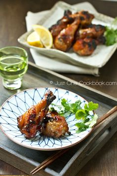 Sweet & Spicy BBQ Chicken wings marinaded in honey, grated apple, garlic, mirin and soy sauce. The secret is to add the fermented Korean condiment called Gochujang! Easy Japanese Recipes, Asian Recipes, Healthy Recipes, Japanese Food, Japanese Style, Healthy Cooking, Healthy Food, Yummy Food, Bbq Chicken Wings Marinade