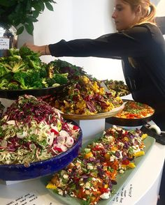 """7,911 Likes, 203 Comments - Yotam Ottolenghi (@ottolenghi) on Instagram: """"#ottolenghispitalfields"""" Catering Food Displays, Lunch Catering, Vegan Catering, Buffet Comida, Ottolenghi Salad, Food Platters, Salad Buffet, Lunch Buffet, Salad Bar"""