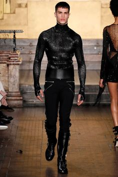 Julien Macdonald FAll/Winter 2016/2017 - London Fashion Week