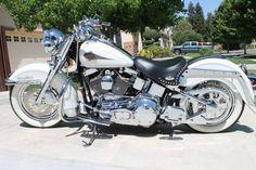 2000 Harley Davidson Heritage Softail Classic.