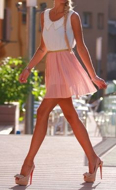 Adorable outfit! collared top, pink skirt, bow pumps<3