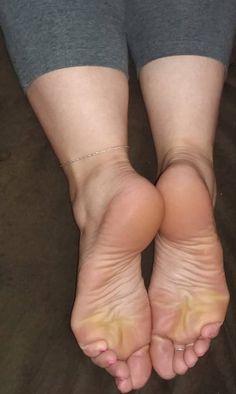 Eljoker Feet Soles, Women's Feet, Wrap Around Ankle Tattoos, Female Feet, Girl Body, Beautiful Legs, Sexy Feet, Arches, Heels