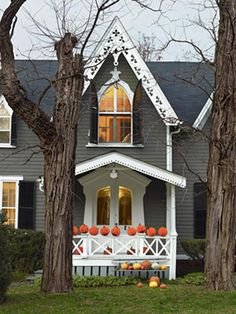 Give your home-sweet-home a decidedly devilish air with these easy Halloween decorating crafts.