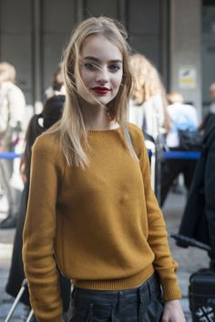 Model street style at London fashion week spring/summer '16