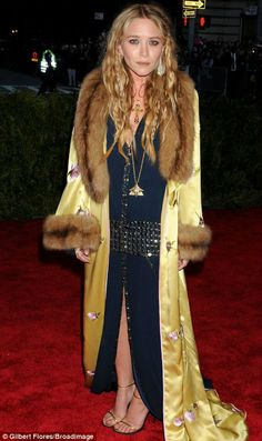 Folkster LOVES Mary Kate Olsen at the MET Gala Ball 2013 - amazing bohemian style!