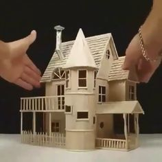 Model home built with popsicle sticks - Popsicle Stick Crafts House Popsicle Stick Crafts House, Popsicle Sticks, Craft Stick Crafts, Pop Stick Craft, Ice Cream Stick Craft, Resin Crafts, Miniature Crafts, Miniature Houses, Cardboard Crafts