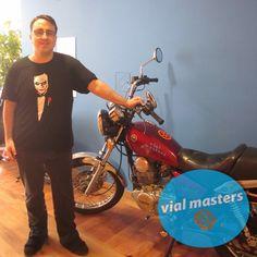 Mario se sacó el permiso de moto en Autoescuelas Vial Masters. ¡Felicidades!