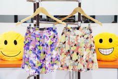 EE6148 Skirt Price : IDR 75.000  Original : china Fabric : Chiffon Waist : 56cm can stretch to 92cm Skirt Length : 40CM Lining : Yes 200grams