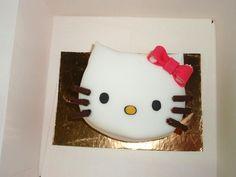 Minitarta sencilla en forma de cara de Hello Kitty-Hello Kitty face minicake