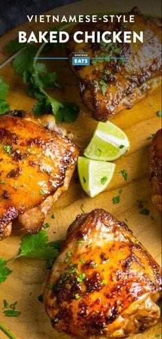 One Quick Vietnamese-Style Marinade, One Easy Baked Chicken Dinner – Kolay yemek Tarifleri Easy Baked Chicken, Baked Chicken Recipes, Recipe Chicken, Oven Chicken, Healthy Chicken, How To Bake Chicken, Chicken Thigh Recipes Oven, Chicken Skin, Roast Chicken