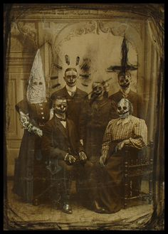 Mia Mäkilä - Lowbrow and Horror Art Creepy Paintings, Creepy Art, Creepy Stuff, Scary Things, Unusual Things, Strange Things, Creepy Halloween, Halloween Horror, Modern Halloween
