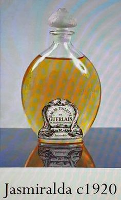 Vintage Parfum, Perfumes Vintage, Parfum Guerlain, Holiday Dinnerware, Vanity Tables, Perfume Collection, Mode Vintage, Smell Good, Decorative Objects