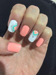 Coral nail design