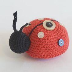 Amigurumi Uğur Böceği Yapılışı 25