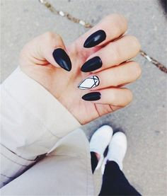 Simple Black and White Nail Art Desgins 2