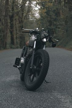 See related links to what you are looking for. Duke Motorcycle, Duke Bike, Motorcycle Garage, Marshmallow Pictures, Royal Enfield Classic 350cc, Estilo Cafe Racer, Royal Enfield Wallpapers, Bullet Bike Royal Enfield, Harley Davidson